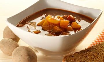 Erdäpfel-Paprika-Gulasch