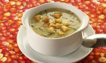 Knoblauch-Kartoffel-Cremesuppe