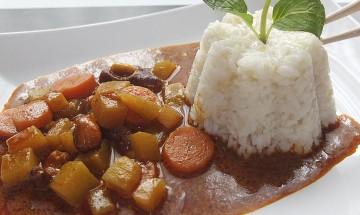 Kohlrabi-Karotten-Curry mit Cashewkernen