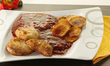 Kohlrabischnitzerl mit Bratkartoffeln und Burgunder-Bratensauce