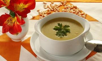 Kohlrabi-Kartoffel-Cremesuppe mit Kokosmilch