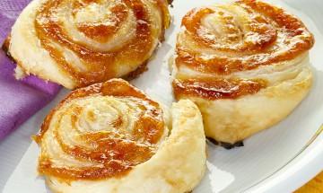 Blätterteig-Marmelade-Schnecken