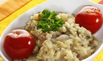Pilzrisotto mit geschmolzenen Tomaten