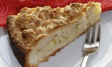 Apfel-Streuselkuchen mit Vanillepuddingfülle